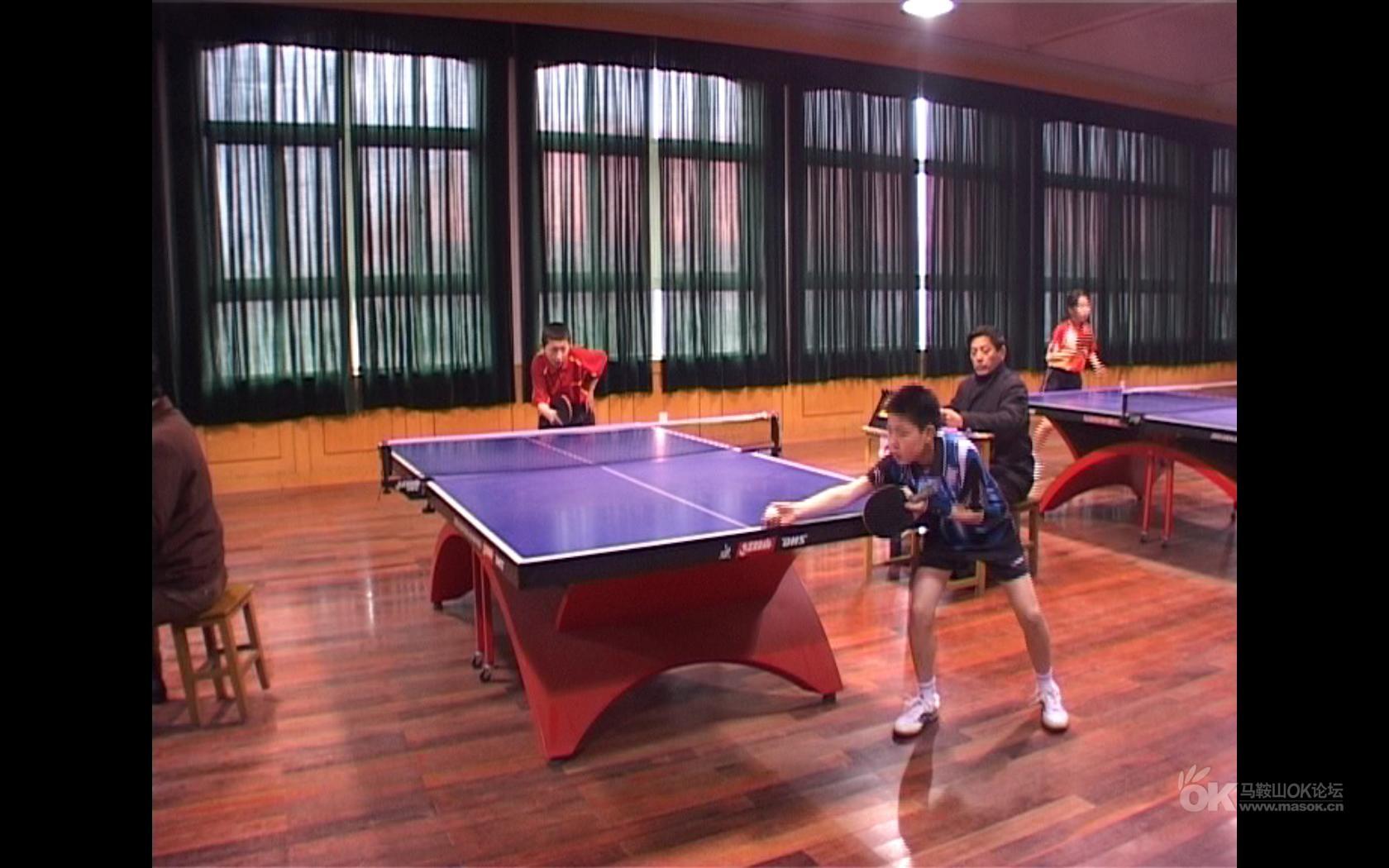 2010年马鞍山市中小学乒乓球配置即时报道-直板球拍比赛图片
